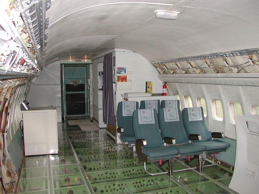uomo-vive-dentro-aereo 11